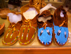 Mocassins taos, Tony Whitecrow, deerskin, leather, bedding, clothing, jackets, western, custom